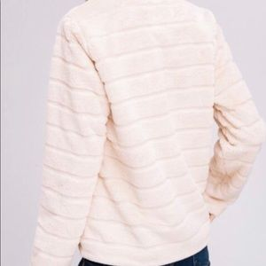 Lindley Lately Jackets & Coats - 🆕! BLUSH babe faux fur jacket